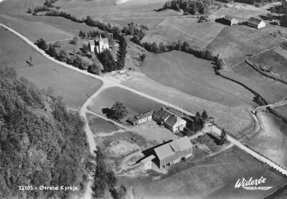 Øvrebø kirke og prestegården ca. 1950