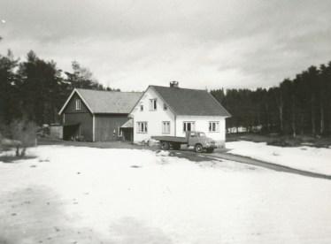 Bilde fra Fjellestad med Helge Hagelands Bedford lastebil