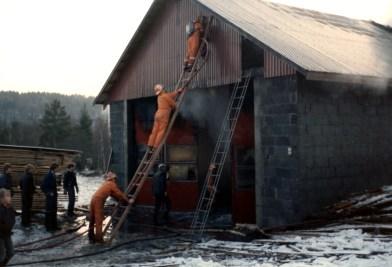 Brann på Øvrebø kassefabrikk