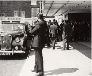 Scene outside the Hilton Hotel after the attack. Image available for sale on eBay http://www.ebay.ca/itm/England-London-Joma-Kenyatta-Attack-old-Photo-1964-/360830102065