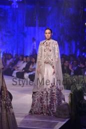 Anamika-Khanna-at-PCJ-Delhi-Couture-Week-2013-23