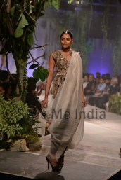 Anamika-Khanna-at-PCJ-Delhi-Couture-Week-2013-8