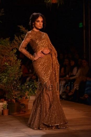 Sabyasachi-at-PCJ-Delhi-Couture-Week-2013-27