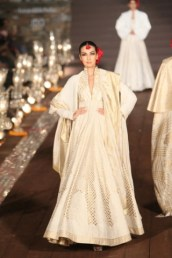 WIFWSS'15D5S5RohitBalRunway063
