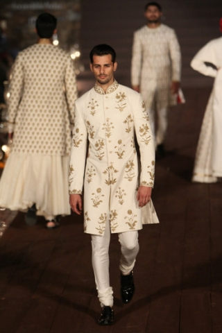 WIFWSS'15D5S5RohitBalRunway100