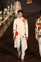 WIFWSS'15D5S5RohitBalRunway159