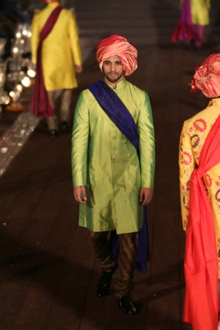 WIFWSS'15D5S5RohitBalRunway221_1
