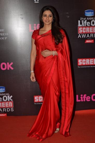 Tabu-in-Abu-Jani-Sandeep-Khosla-Screen-Awards