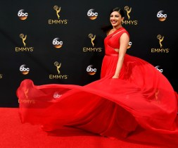 LOS ANGELES, CA - SEPTEMBER 18: Actres Priyanka Chopra attends the 68th Annual Primetime Emmy Awards at Microsoft Theater on September 18, 2016 in Los Angeles, California. (Photo by Frazer Harrison/Getty Images)