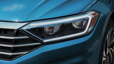 jetta-features-led-headlights