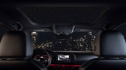 jetta-features-panoramic-sunroof