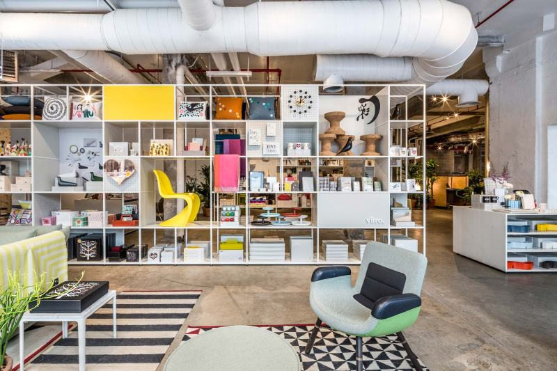 vitra-opens-a-new-pop-up-shop-and-garage-office-new-york-5