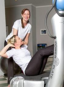 Power Plate mit Michaela