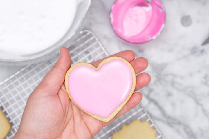 How to make perfect royal icing