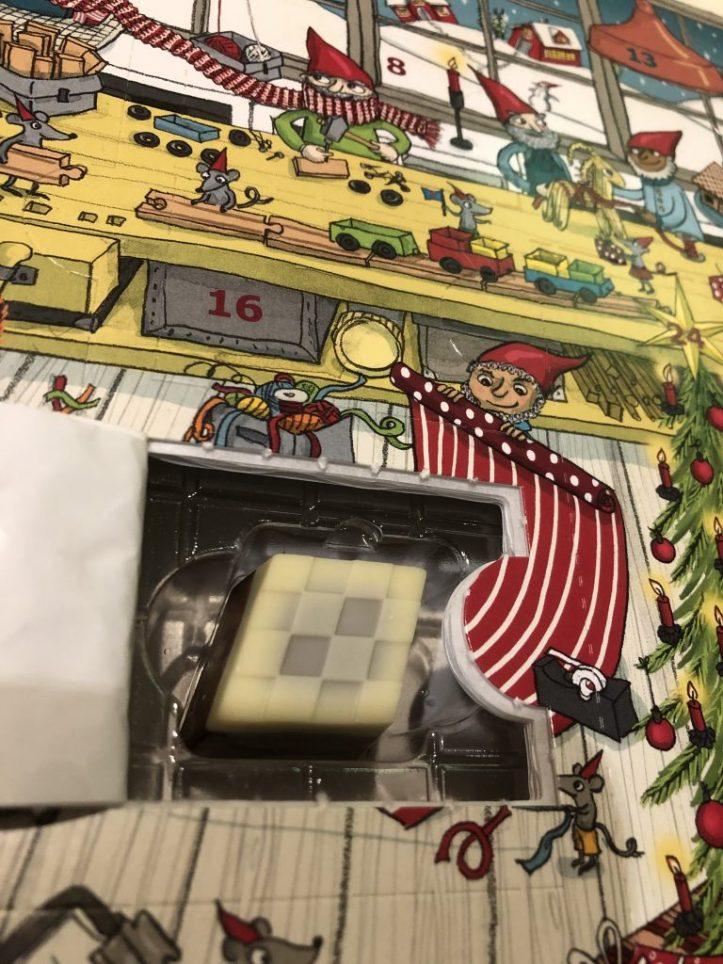 Blogmas 24: Christmas wrapping 12
