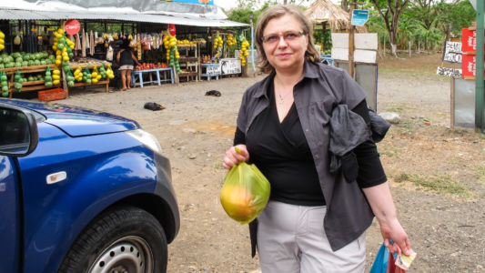 Ala at a fruit stand