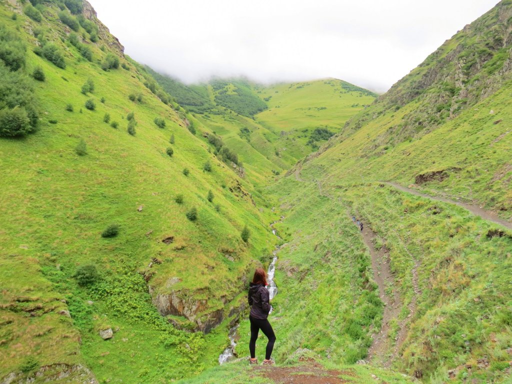 day trip from tbilisi to kazbegi