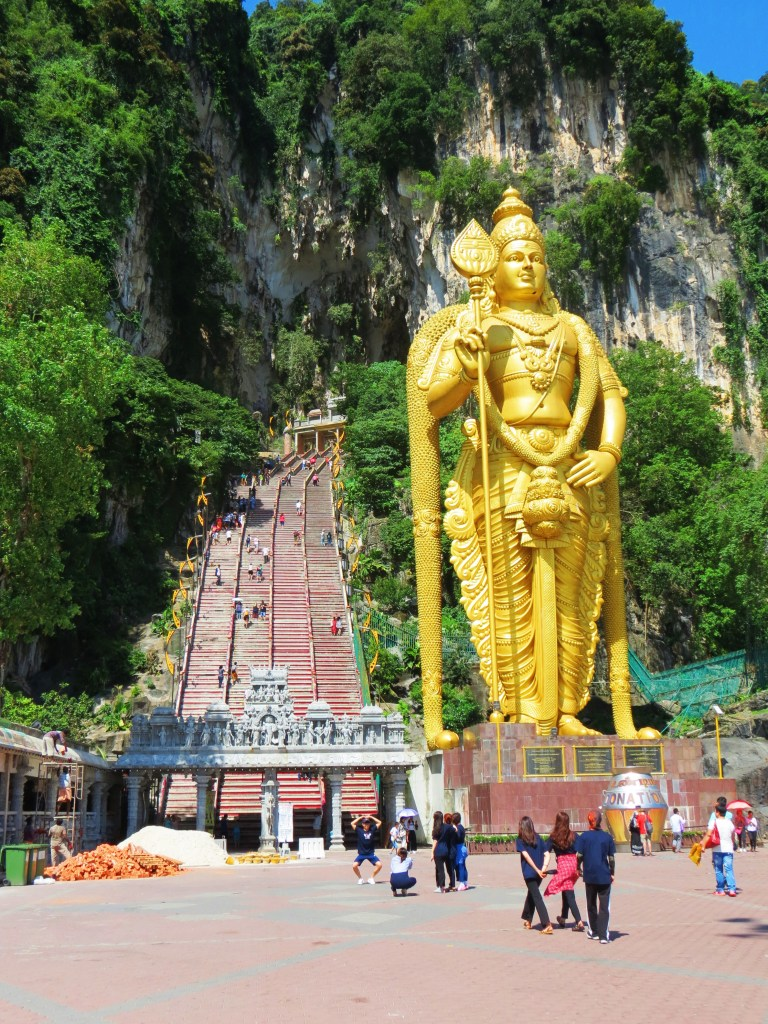 two weeks in Malaysia: visit the Batu caves