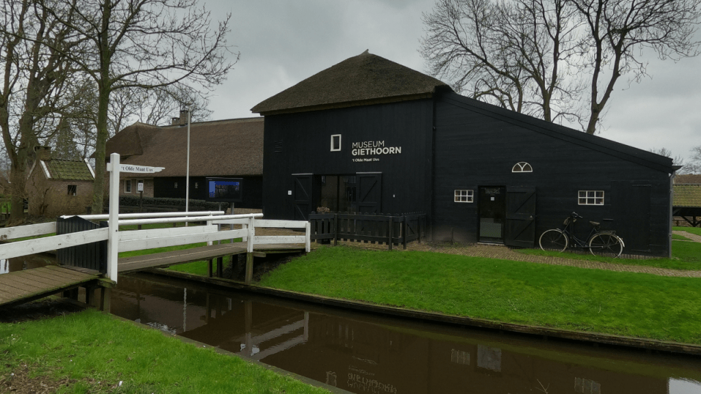 how to spend one day in giethoorn, the netherlands