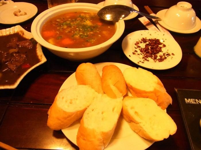 ベトナムの美味しいフランスパン