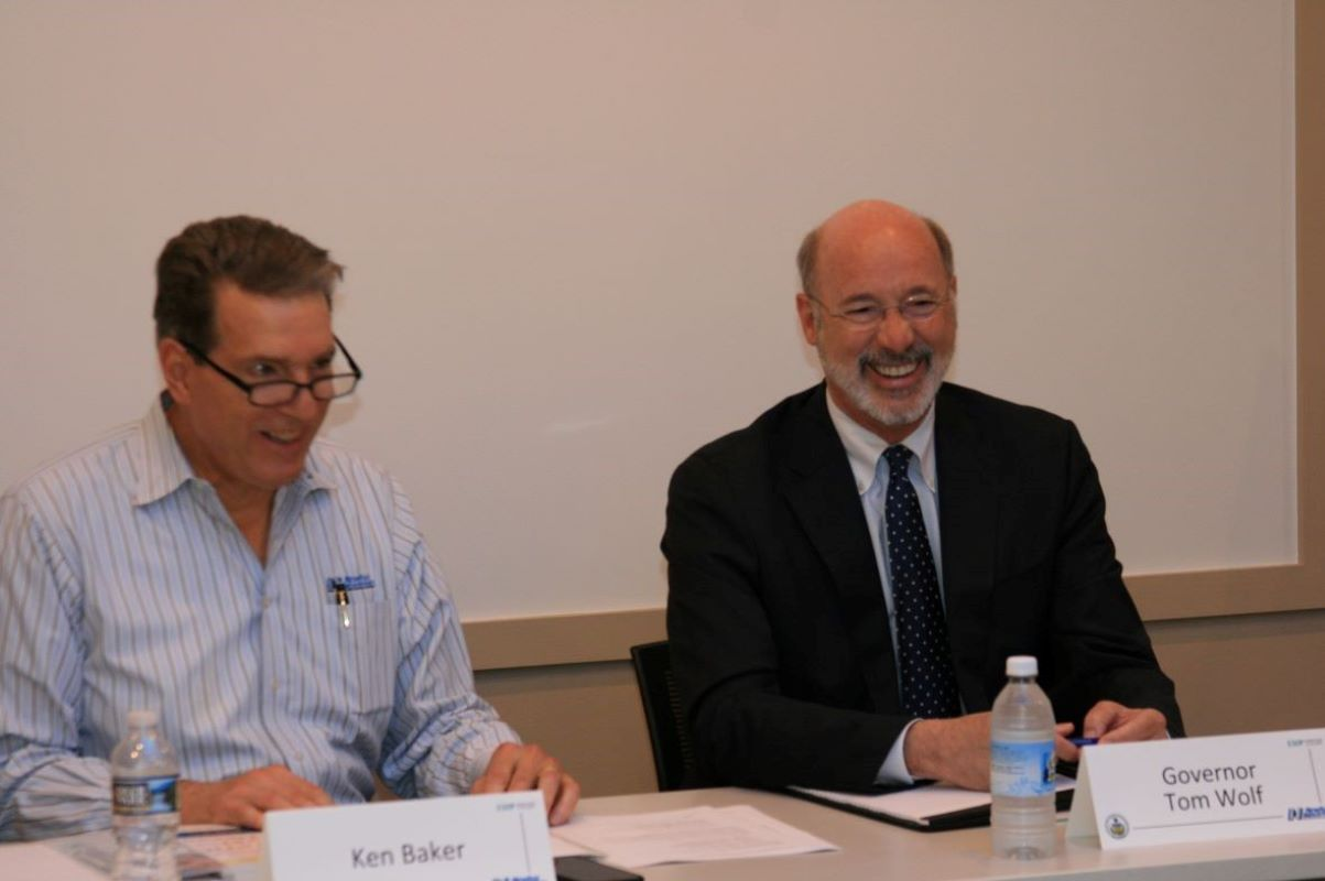 Governor Wolf Meets with PaCEO Volunteers