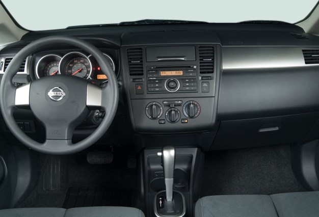 2007 Nissan Versa Interior HD Wallpaper