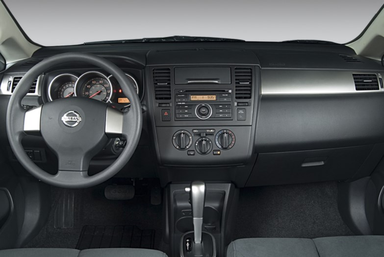 2008 Nissan Versa Interior HD Wallpaper