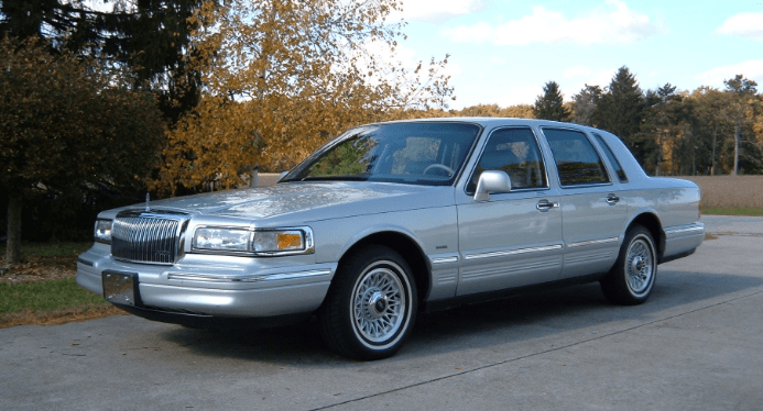 1996 Lincoln Town Car Concept and Owners Manual