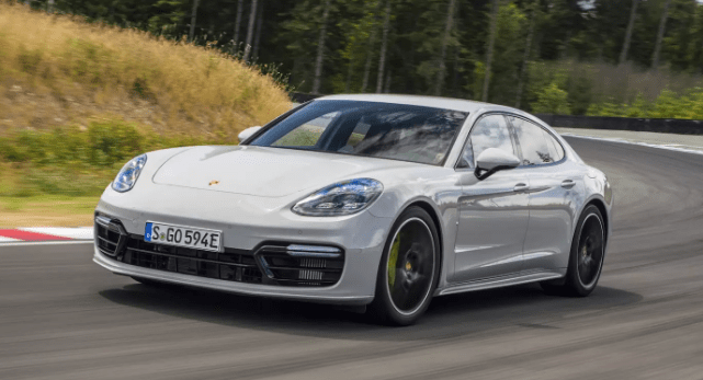 2018 Porsche Panamera Owners Manual and Concept