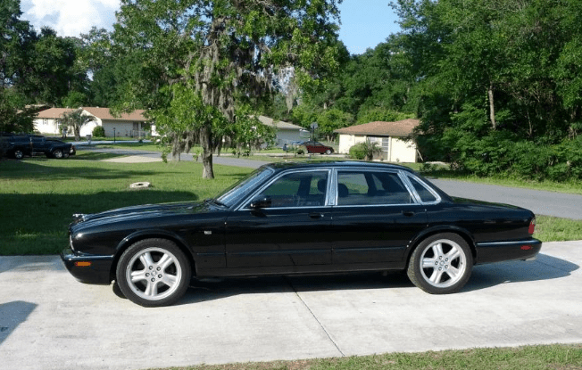 1999 Jaguar XJR Concept and Owners Manual