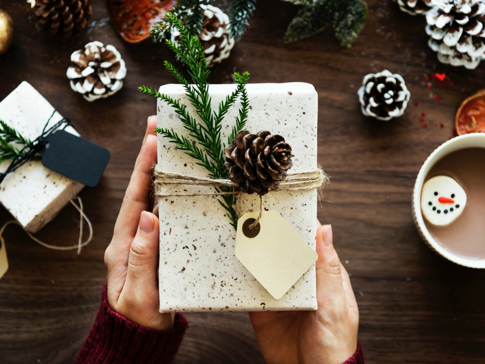 Give Like a Boss: Holiday Gifts Your Clients Will Love