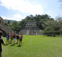 Students learn about lives of migrants, Zapatistas