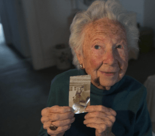 103-year-old Dorothy Sellers votes for Hillary