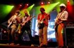 JAKARTA, 13/7 – JAKARTA ROCK PARADE. Andy Tielman dari Tielman Brothers (kedua kiri) tampil bersama musisi Indonesia Awan Garnado dari band Sore (kiri), Emil dari band Naif (kedua kanan). dan David Tarigan (kanan) saat tampil di Jakarta Rock Parade, Jakarta, Sabtu (12/7) malam. Jakarta Rock Parade yang menampilkan sejumlah band rock legendaris Indonesia itu berlangsung tiga hari hingga Minggu (13/7). FOTO ANTARA/Oxalis/ss/nz/08. link