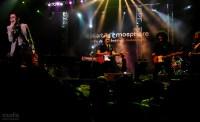 Koes Plus berkolaborasi dengan The Brandals saat acara Djakartartmosphere di Tennis Indoor Senayan Jakarta