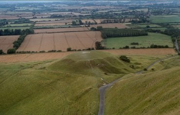 uffington white horse dragon hill 2