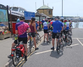 Queuing for the Floating Bridge at Cowes