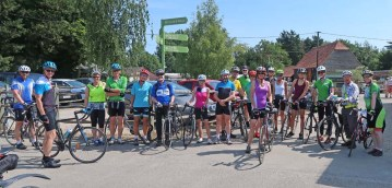 Waterperry busy with cyclists