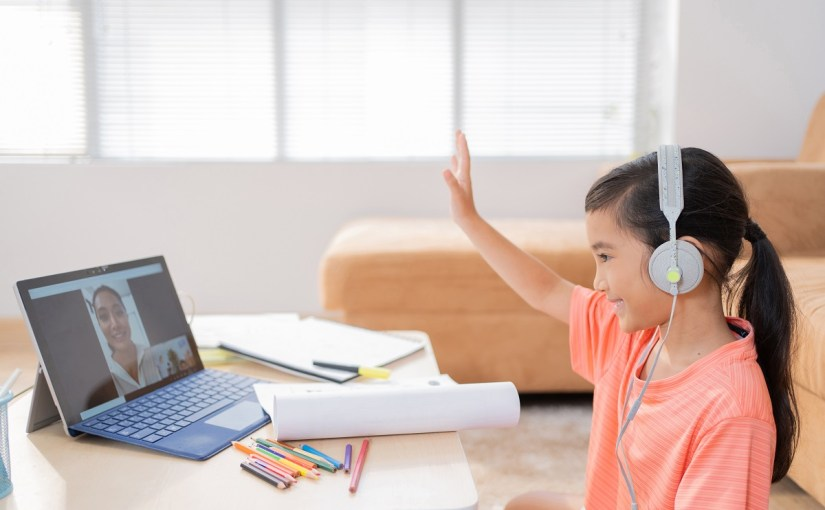 How Can Parents Best Help Kids With Online Learning?