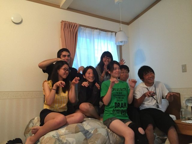 HLAB Onagawa students show what they've learned about spiders...