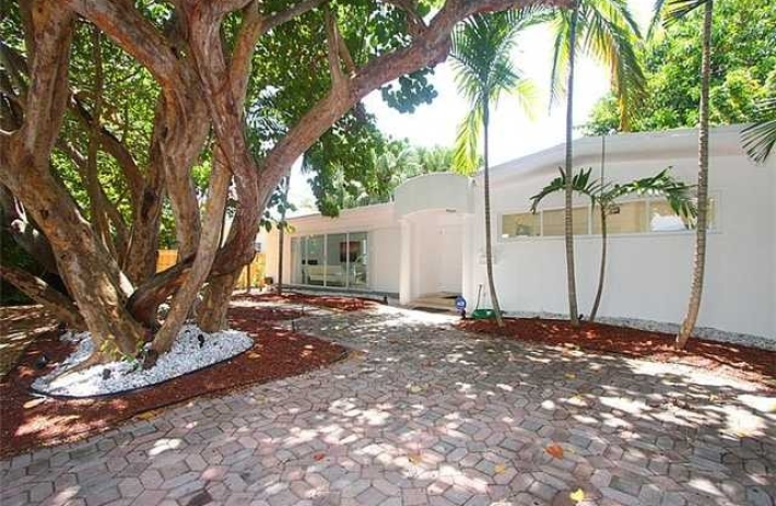 4350-Douglas-Road-Miami-Florida