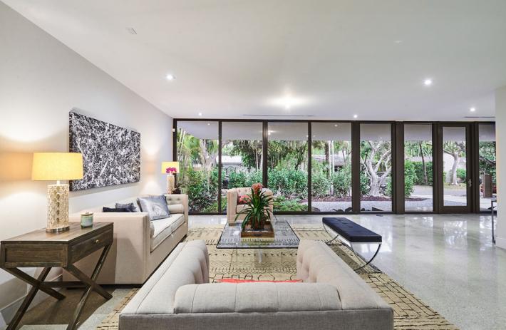 4045 bonita interior living 03