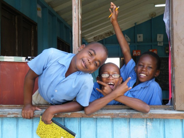 6-joyeux-ecoliers-de-barbuda