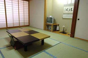 和室(12畳タイプ:2〜6名)