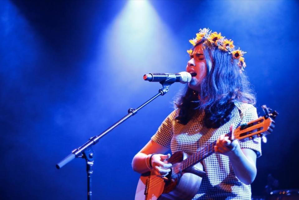 Silvana Estrada relanza su disco debut y comparte su nuevo documental 'Volver a Lo Sagrado'