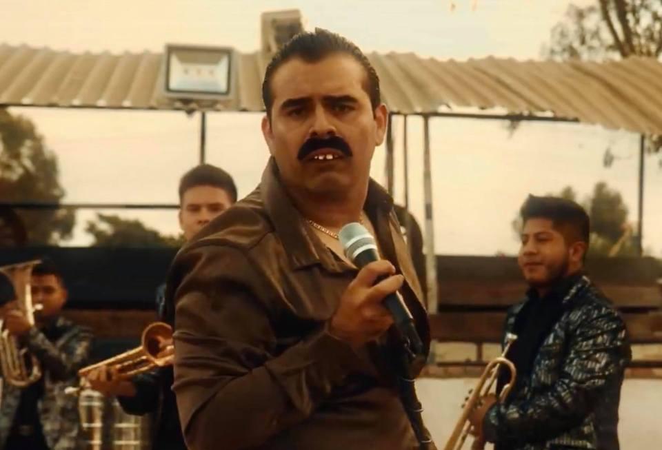 Fierro, pariente: Checa a Alfredo Mercurio, el Freddie Mercury que canta banda