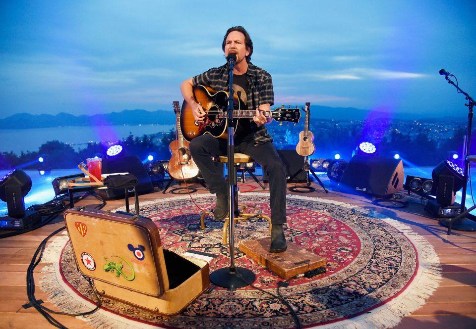 """Eddie Vedder estrena una rola en solitario llamada """"Cartography"""""""