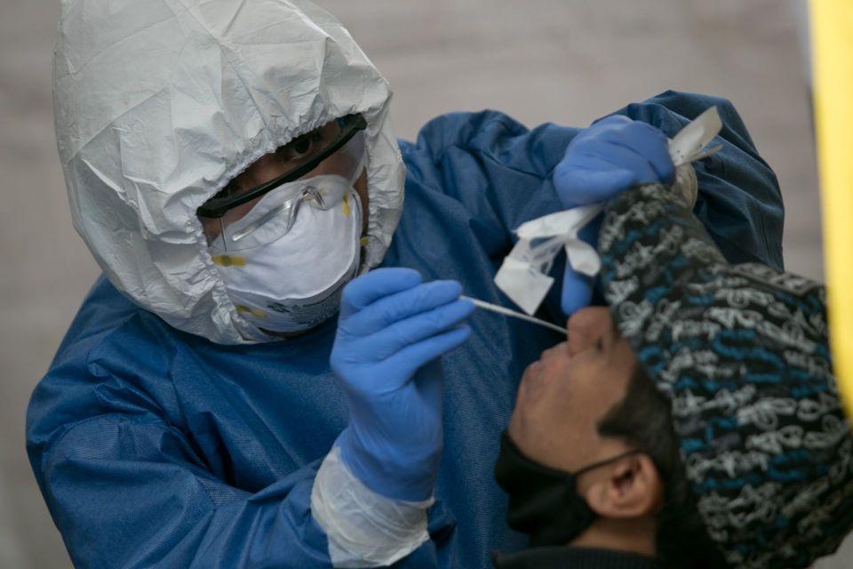 OLOV: Mujer presenta derrame de líquido craneal luego de realizarse prueba de COVID-19