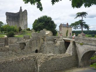 Ruines du chateau de Domfront | Ruins of the castle of Domfront