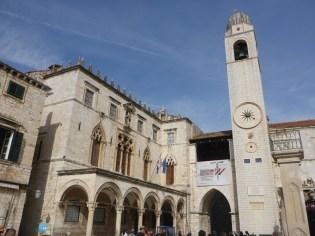 Place principale | Main square